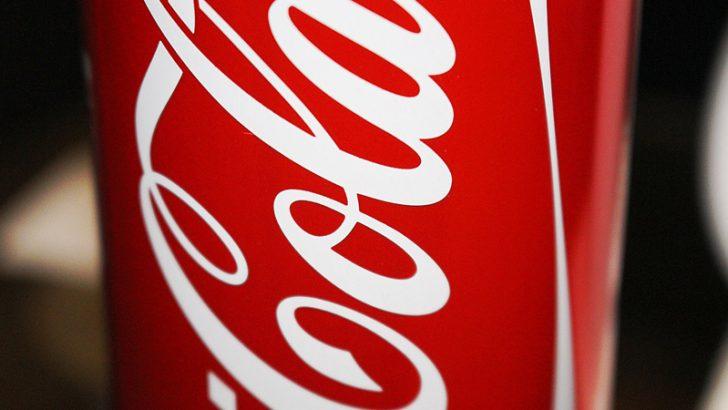 ビットコインで購入できる「コカ・コーラ」自動販売機はハッカー自作【動画あり】