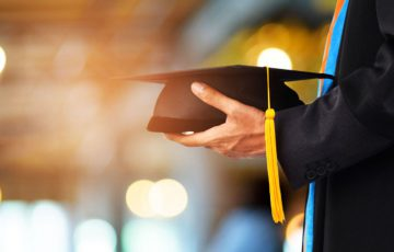 イタリアの大学2校:ブロックチェーン「学位証明書」導入へ|情報操作・偽造を防止