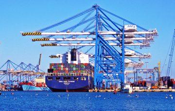 フランス・マルセイユの貿易港:ブロックチェーン活用した「貨物輸送」のテストに参加
