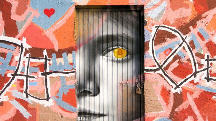 ストリートアートに「仮想通貨革命」のメッセージ|フランスで反ユーロの抗議活動続く