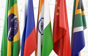 共通仮想通貨で「米ドル依存」に対処|BRICS、新たな決済システムについて協議