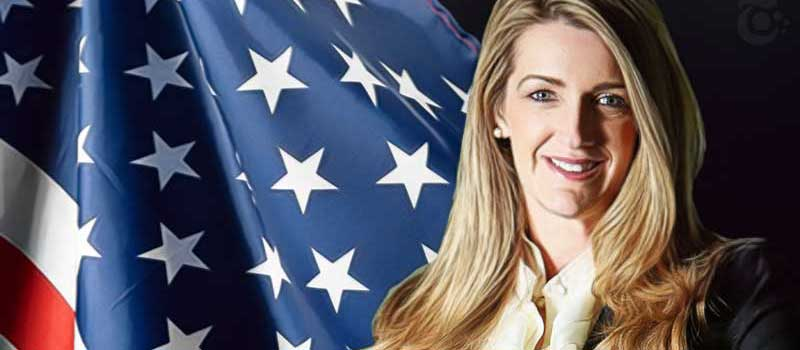 Kelly-Loeffler-US-Flag