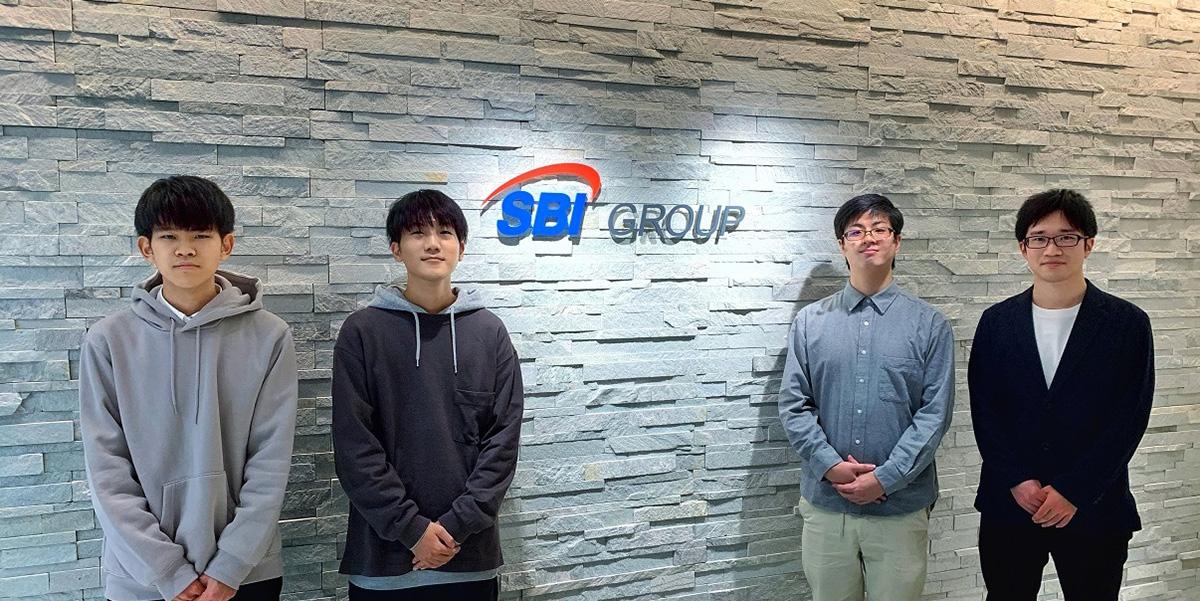 左からHaRu選手、P1NKI選手、Lelia選手、Wasuo選手(画像:SBI e-Sports)