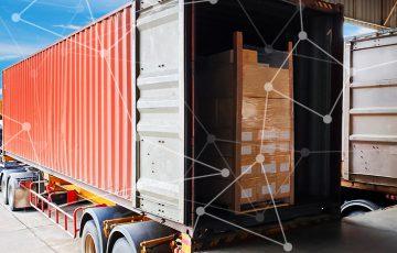 ブロックチェーンで「運送業者に対する配送前の融資提供」実現へ:日立・みずほなど5社