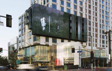 元MLB選手のNFTアート作品「LA交差点の巨大看板」に掲載|ユニークな仕掛けも