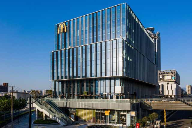 中国マクドナルドが上海に建てた新本社ビル(画像:mcdonalds.com.cn)